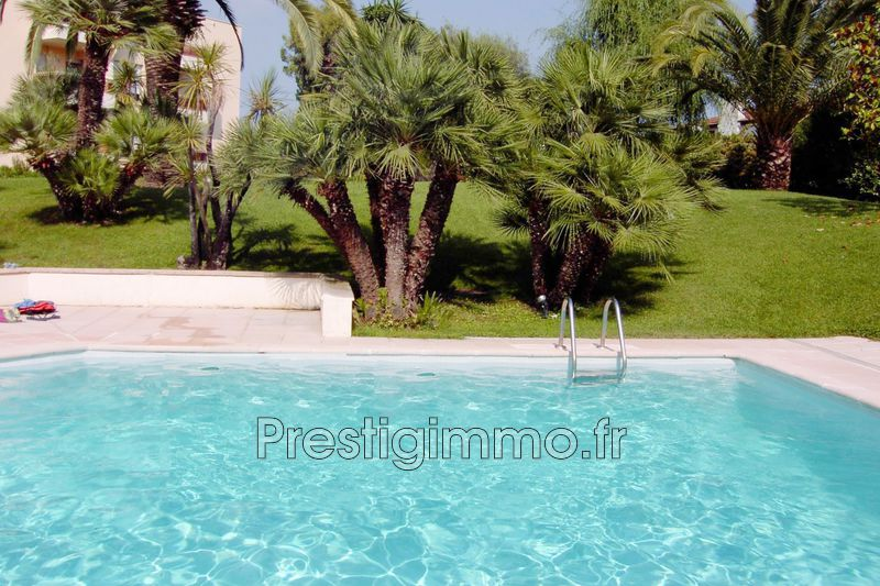 Apartment Golfe-Juan Centre-ville et plage,  Rentals apartment  1 room   25 m²
