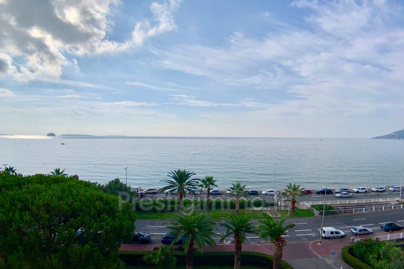 Appartement Cannes Bord de mer,  Location appartement  2 pièces   38m²