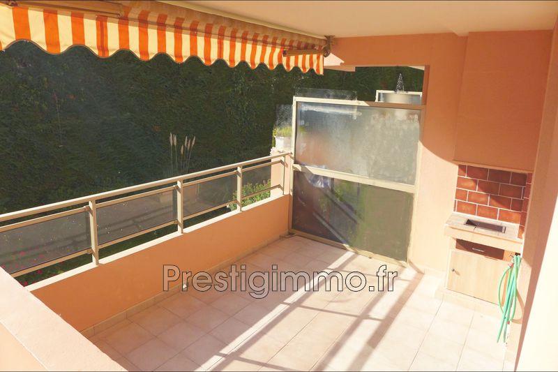 Photo Appartement Antibes La parouquine,  Location appartement  3 pièces   78m²