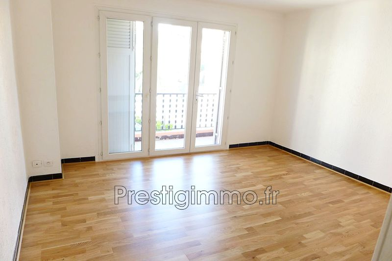 Photo Appartement Vallauris Centre-ville,  Location appartement  2 pièces   36 m²