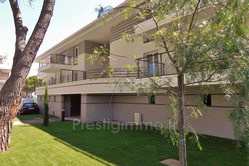 Appartement Mandelieu-la-Napoule Centre-ville,  Location appartement  3 pièces   63m²
