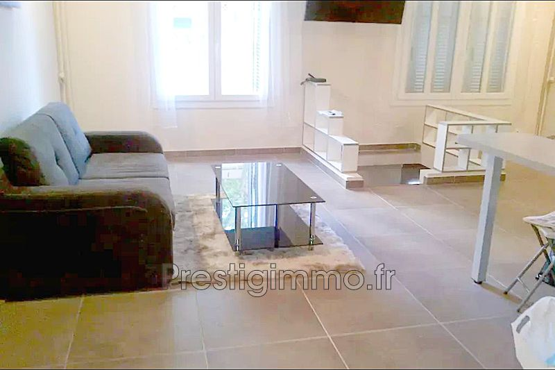 Photo Appartement Antibes Centre-ville,  Location appartement  2 pièces   85 m²