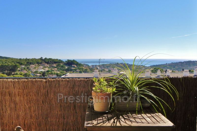 Photo Appartement Vallauris Calme vue mer,  Location appartement  3 rooms   77 m²