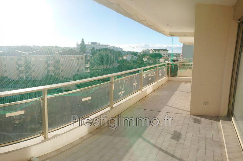 Appartement Juan-les-Pins Centre-ville,  Location appartement  2 pièces   43m²