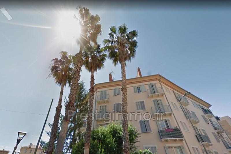 Appartement Golfe-Juan Centre-ville,  Location appartement  2 pièces   33m²