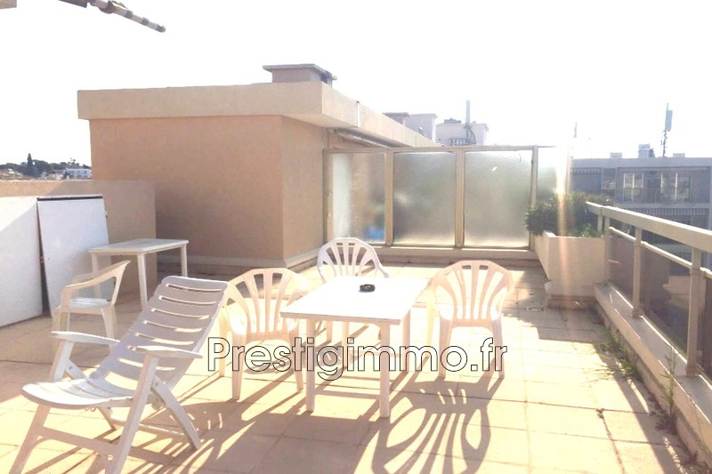 Apartment Juan-les-Pins Square pauline,  Rentals apartment  2 rooms   34 m²