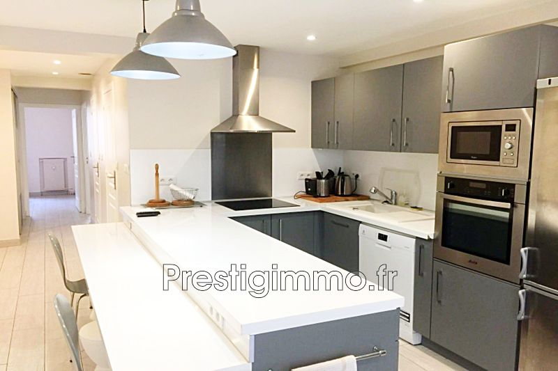 Photo Appartement Antibes Centre-ville,  Location appartement  3 rooms   50m²