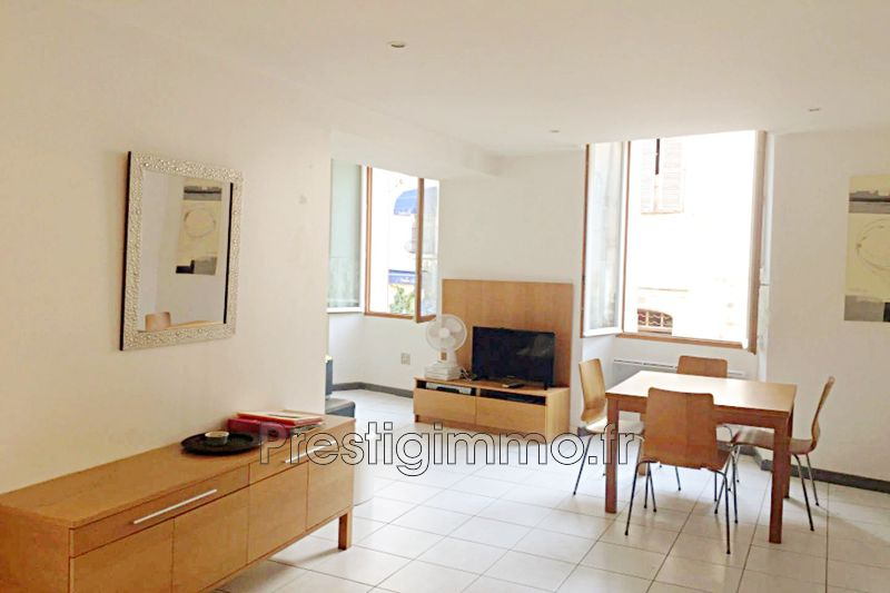 Appartement Antibes Vielle ville,  Location appartement  2 pièces   40m²