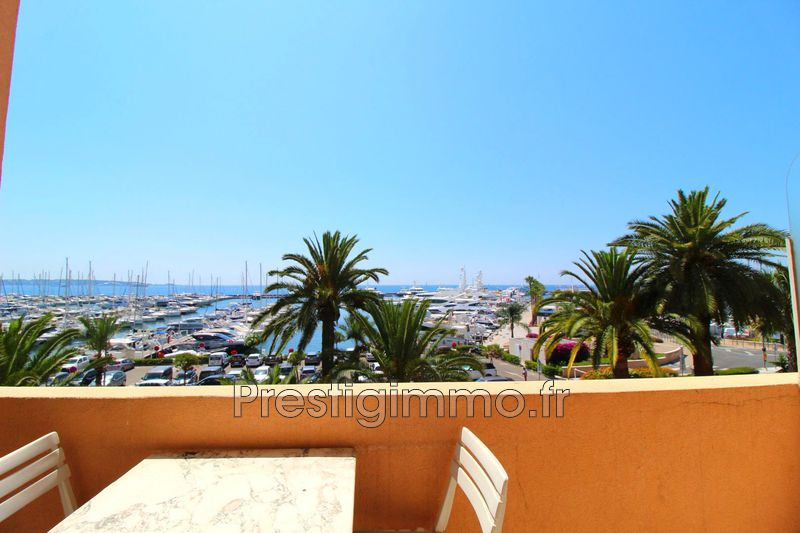 Photo Appartement Vallauris Bord de mer,  Location appartement  1 pièce   26 m²