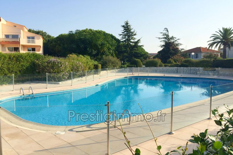 Photo Apartment Antibes Proche plages,  Rentals apartment  2 rooms   30 m²