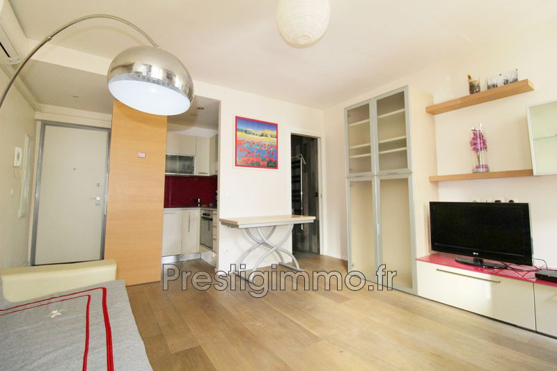 Photo Apartment Antibes Centre-ville,  Rentals apartment  1 room   30 m²
