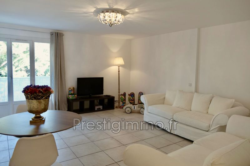 Photo n°5 - Location appartement Cannes 06400 - 980 €