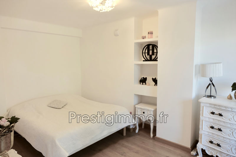Photo n°9 - Location appartement Cannes 06400 - 980 €