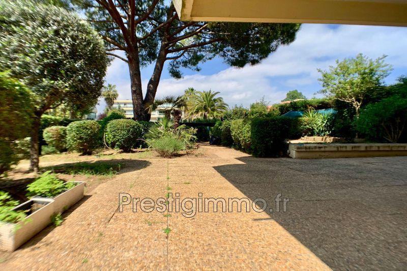 Appartement Mandelieu-la-Napoule Proche ville au calme,  Location appartement  3 pièces   63m²