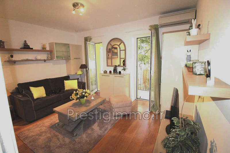 Apartment Antibes Centre ville calme,  Rentals apartment  1 room   21 m²
