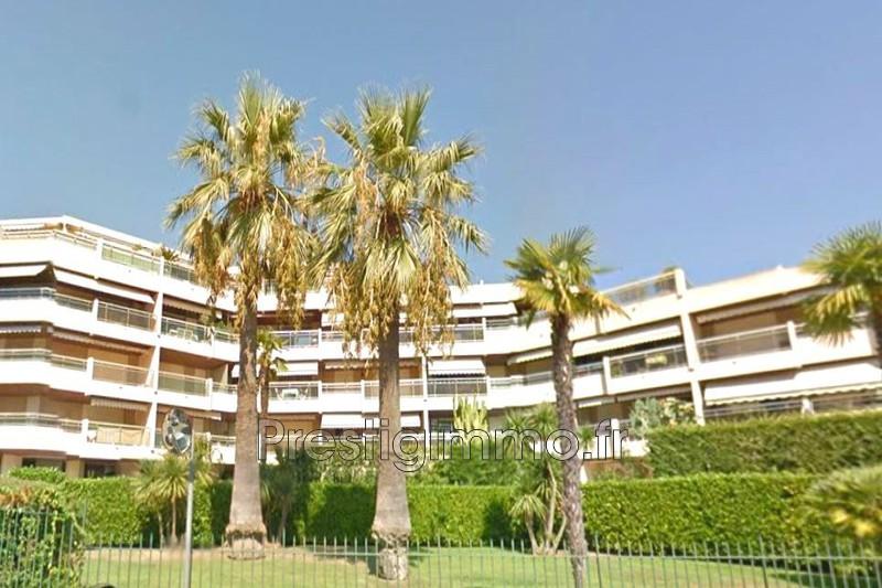 Appartement Vallauris Proche centre et plages,  Location appartement  1 pièce   23m²