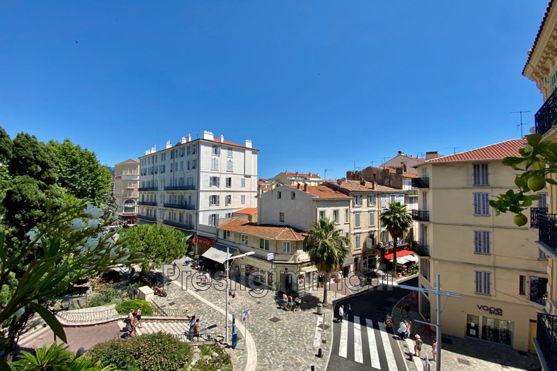Photo n°2 - Location appartement Cannes 06400 - 2 800 €