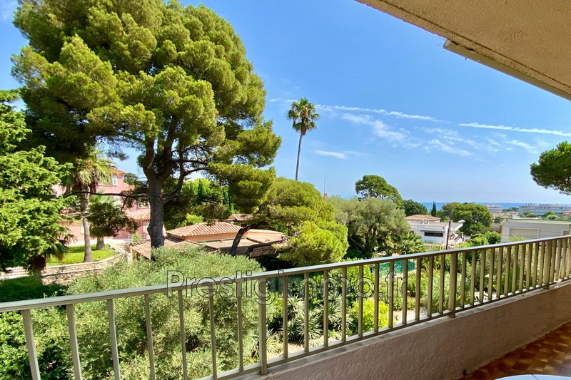 Apartment Juan-les-Pins Calme vue mer,  Rentals apartment  4 rooms   97 m²
