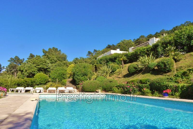 Villa Les Adrets-de-l'Estérel Proche ville au calme,   achat villa  8 chambres   250m²