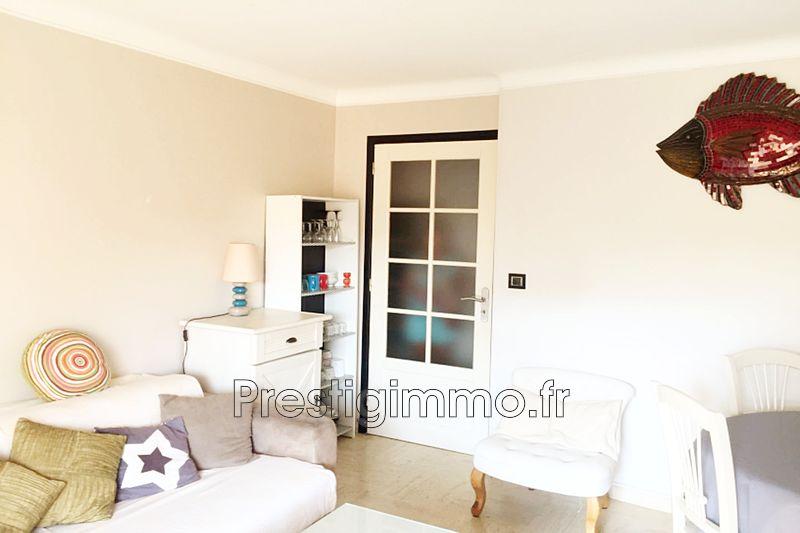 Appartement Juan-les-Pins Centre-ville,  Location appartement  2 pièces   40m²