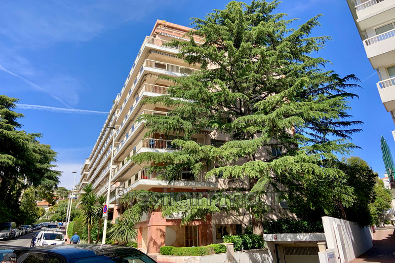 Photo Apartment Cannes Centre-ville,   to buy apartment  2 room   50 m²