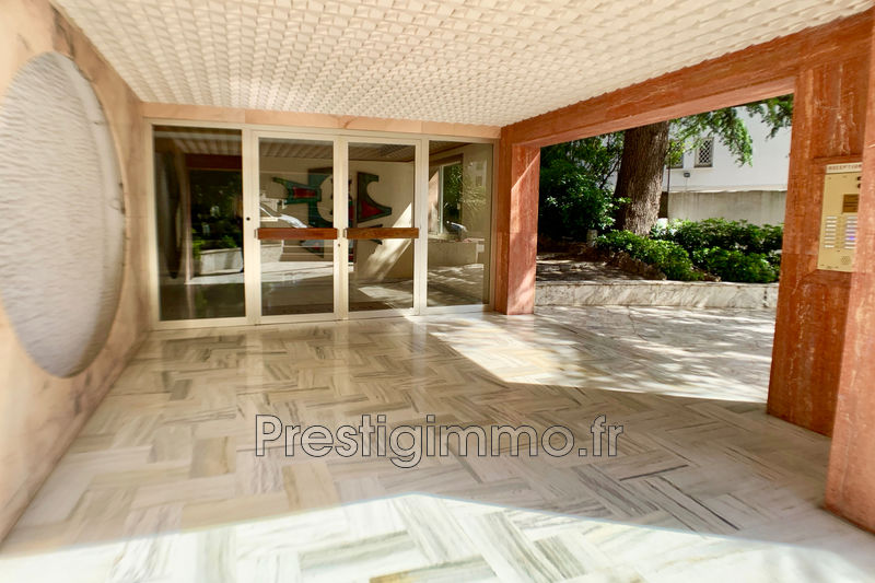 Photo n°3 - Vente appartement Cannes 06400 - 229 000 €