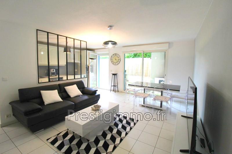 appartement  3 rooms  Vallauris Centre ville au calme  62m² -
