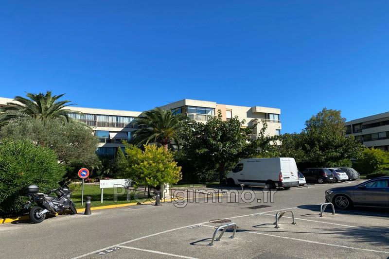 Parking Mandelieu-la-Napoule Proche ville au calme,   achat parking