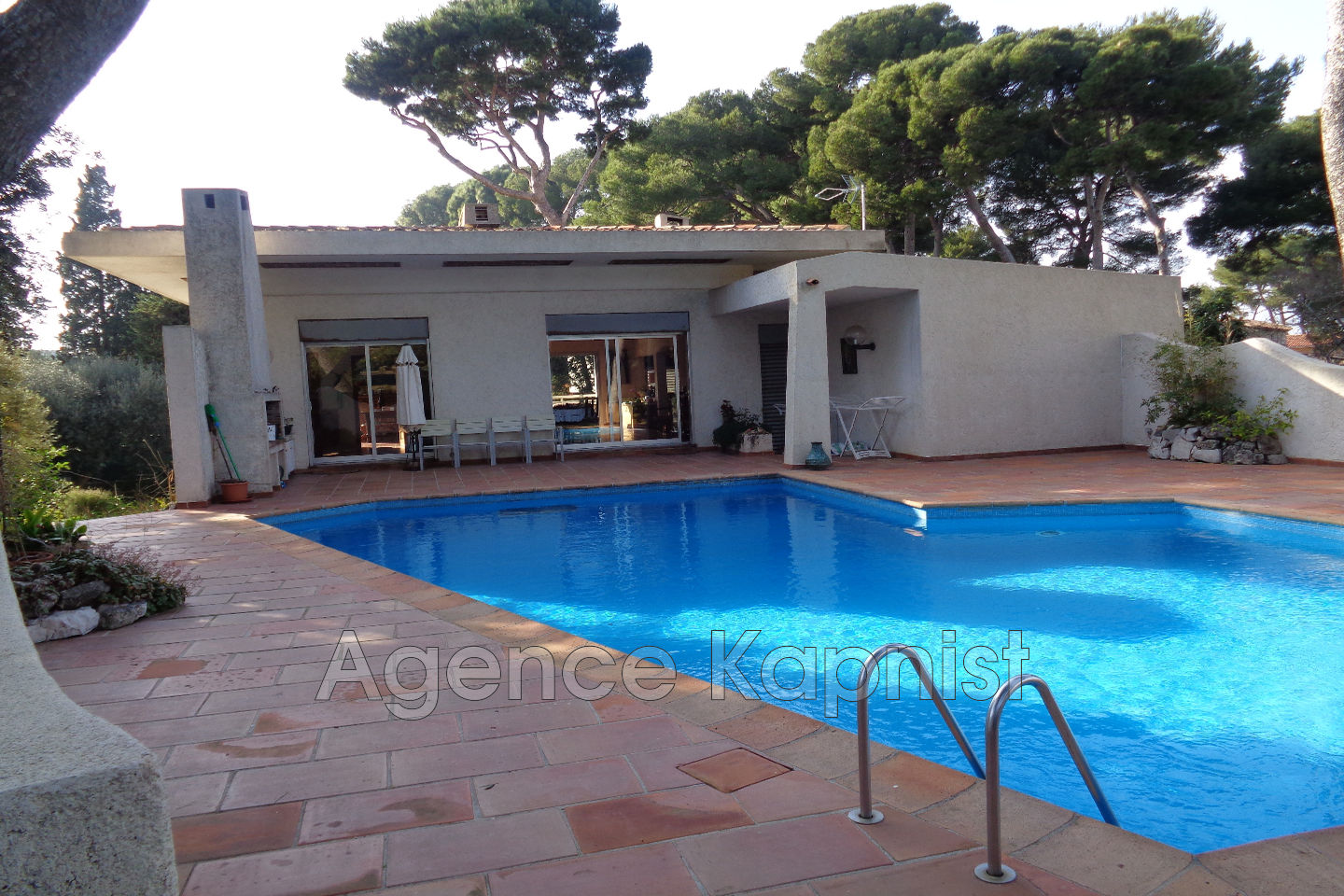 Cap D\'Antibes - Purchase contemporary house - 3 bedrooms of ...