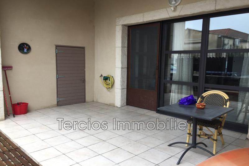 Appartement Eyragues Centre-ville,  Location appartement  3 pièces   61m²