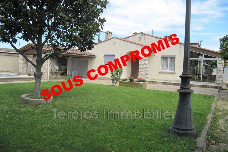 House Eyragues Proche centre-ville,   to buy house  3 bedrooms   75 m²