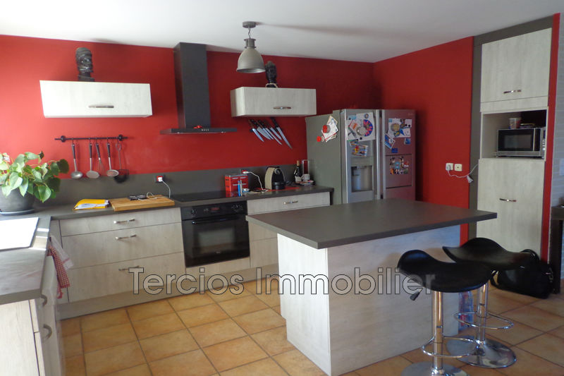 Photo Villa Châteaurenard Proche centre-ville,   to buy villa  3 bedrooms   89 m²