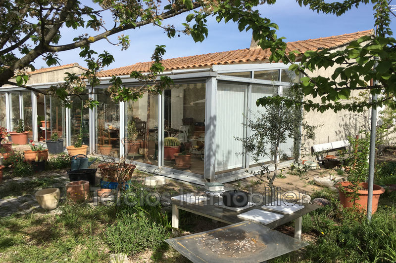 Villa Eyragues Proche centre-ville,   achat villa  2 chambres   78m²