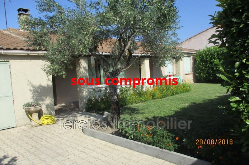 House Cabannes   to buy house  3 bedrooms   92 m²