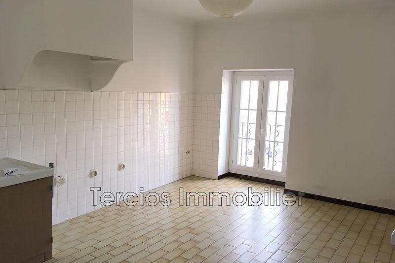 Photo Appartement Eyragues Centre-ville,   achat appartement  4 pièces   108m²
