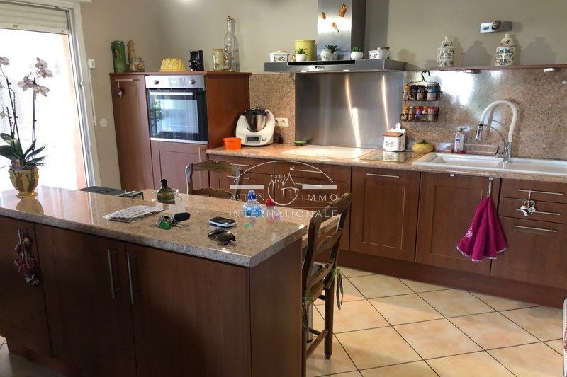 Photo Apartment Saint-Martin-de-Crau Saint-martin-de-crau,   to buy apartment  4 rooms   90 m²