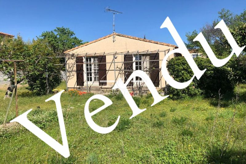 Photo Villa Saint-Martin-de-Crau Saint-martin-de-crau,   to buy villa  2 bedroom   75m²