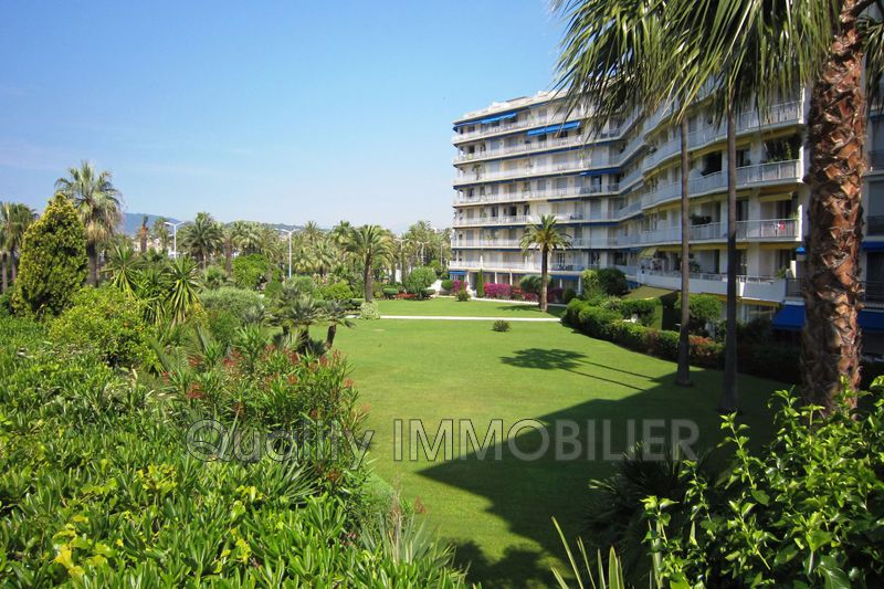 Photo n°1 - Vente appartement Cannes 06400 - 1 990 000 €