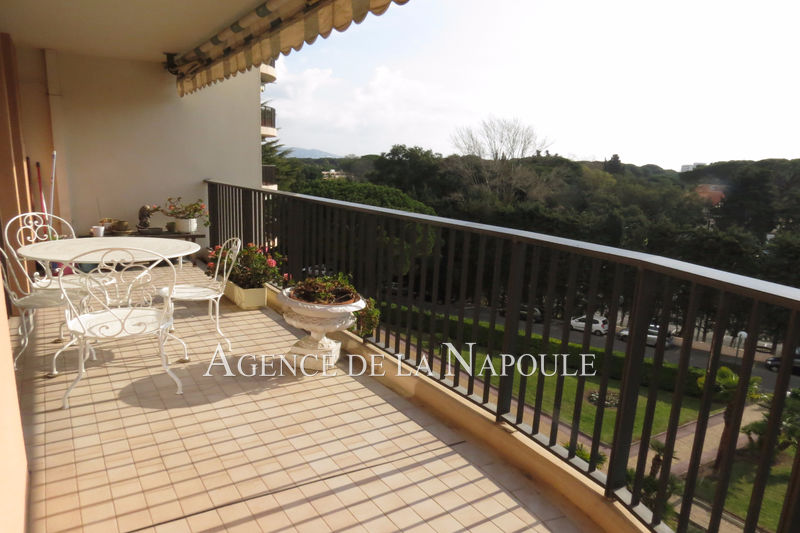 Photo Apartment Mandelieu-la-Napoule Cannes-marina,   to buy apartment  3 rooms   86 m²
