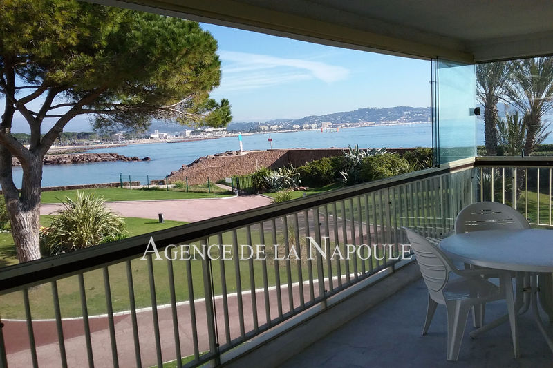 Photo Apartment Mandelieu-la-Napoule Bord de mer,   to buy apartment  3 rooms   69 m²