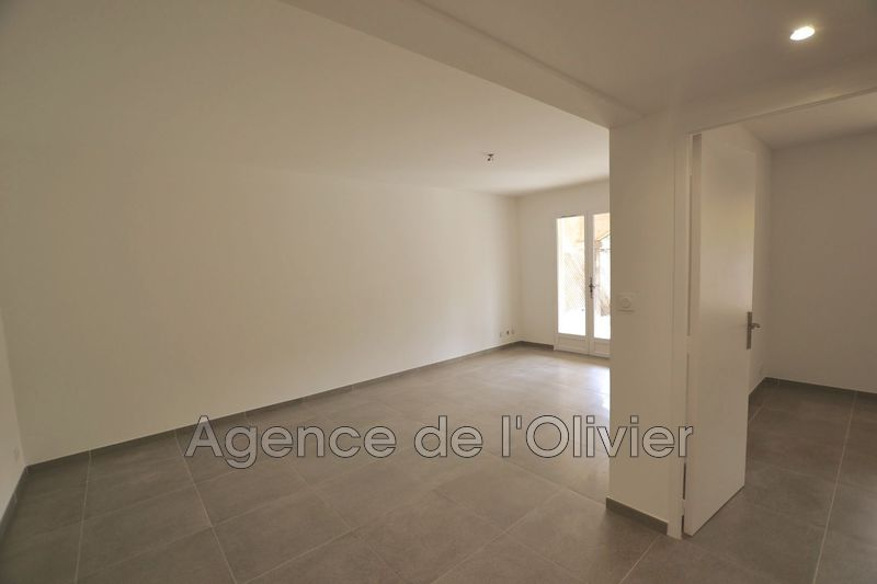 Photo Appartement Valbonne  Location appartement  2 pièces   51 m²