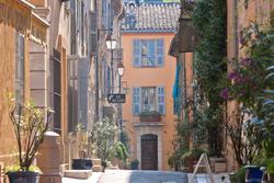 Photos  Appartement à louer Valbonne 06560