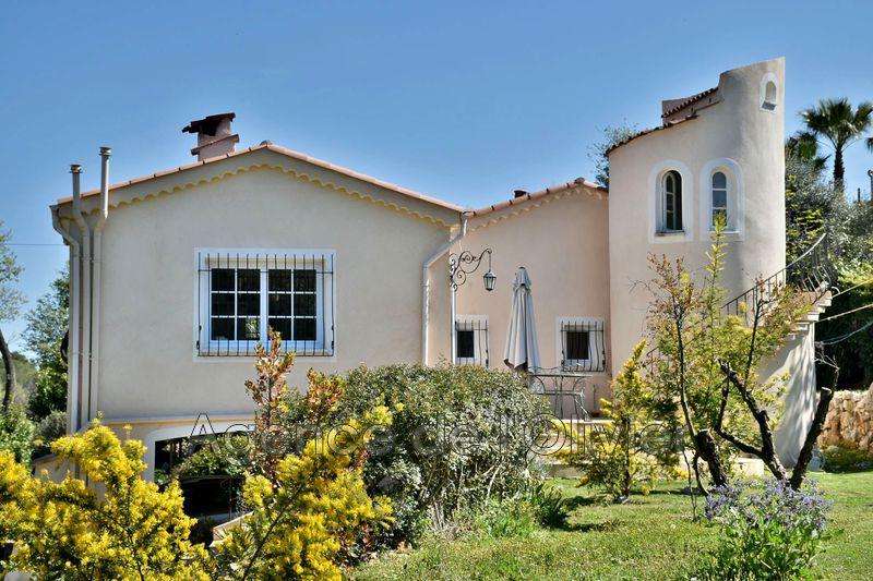Villa Roquefort-les-Pins   achat villa  3 chambres   100m²
