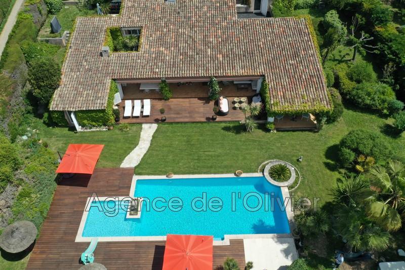 Maison Châteauneuf-Grasse   achat maison  5 chambres   300m²