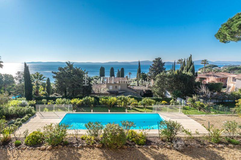 Location saisonnière villa Sainte-Maxime  Villa Sainte-Maxime Proche plages,  Location saisonnière villa  6 chambres   240m²