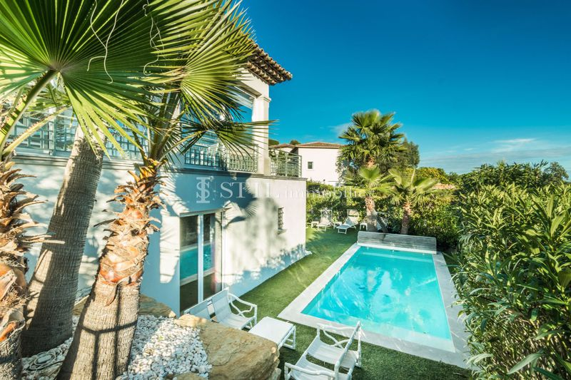 Photo Villa Sainte-Maxime Proche plages,   to buy villa  5 bedrooms   235 m²