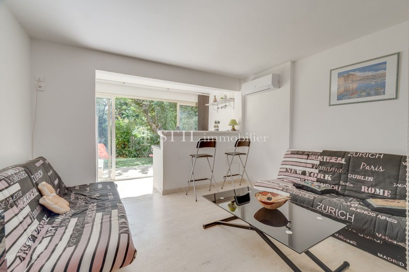 Vente appartement Sainte-Maxime  Apartment Sainte-Maxime Centre-ville,   to buy apartment  1 room   23 m²