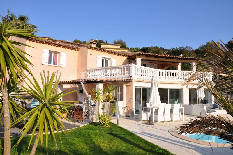 Photo Villa Sainte-Maxime   to buy villa  5 bedrooms   235 m²