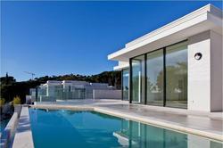 Vente villa Sainte-Maxime 05_villa_04_piscine_cr