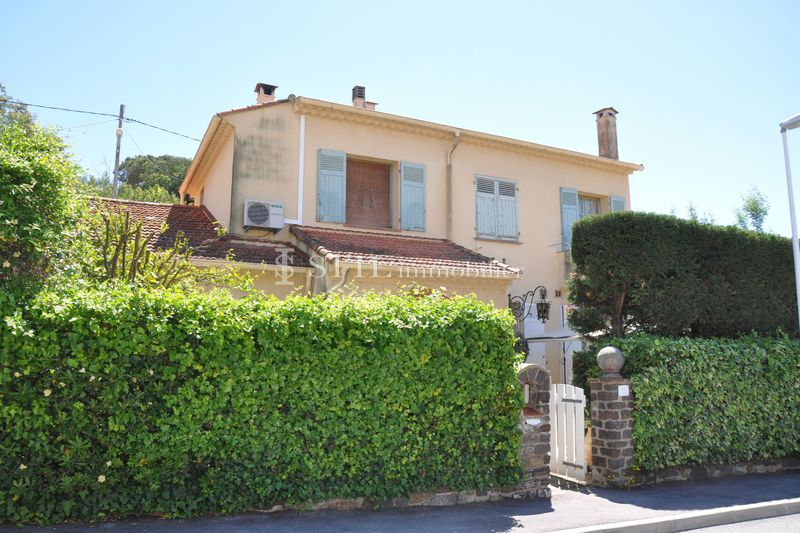 Vente maison de ville Sainte-Maxime  Townhouse Sainte-Maxime Centre-ville,   to buy townhouse  4 bedroom   190 m²